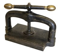 Lot 3-Bookpress.