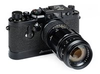 Lot 389 - Very rare black Leica IIIg camera.