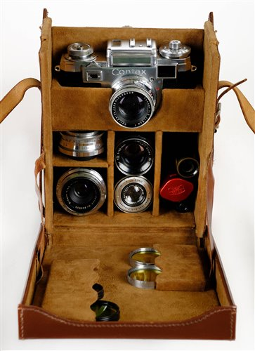 Lot 443 - Zeiss Ikon Contax IIIa with 5 lenses