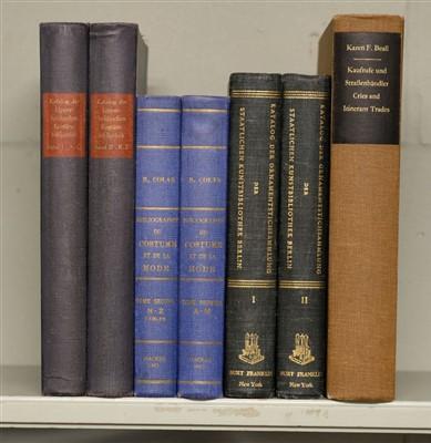 Lot 394 - Nienholdt (Eva, and Wagner-Neumann, Gretel, editors). Katalog der Lipperheideschen Kostumbibliothek