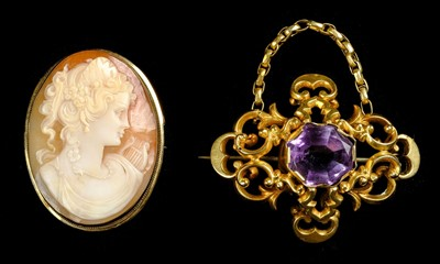 Lot 10-Brooch. A Victorian gold brooch
