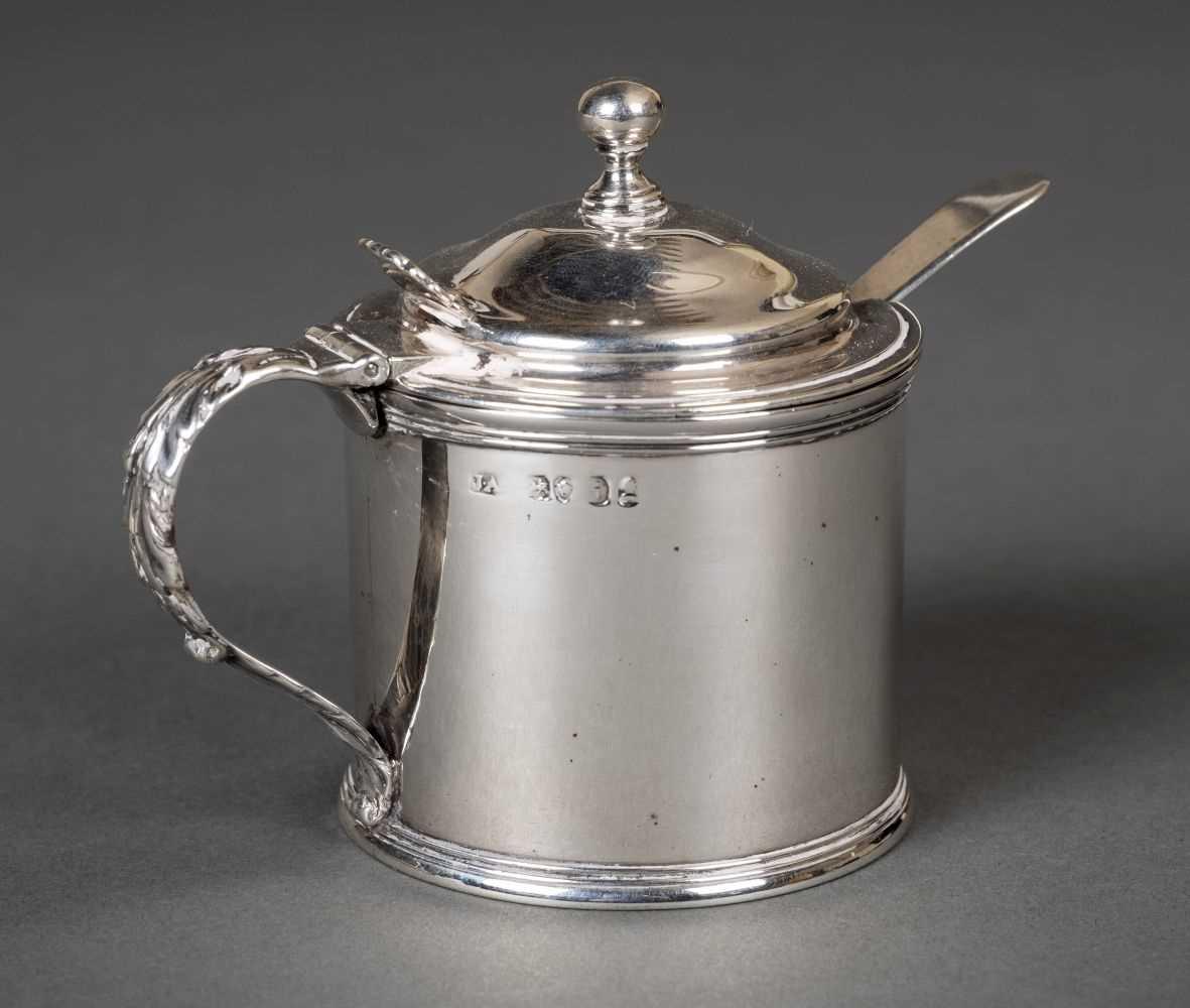 Lot 40 - Mustard pot. A George III silver mustard pot
