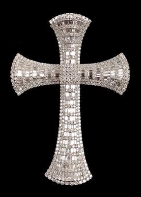 Lot 11 - Cross. A modern 18ct white gold cross