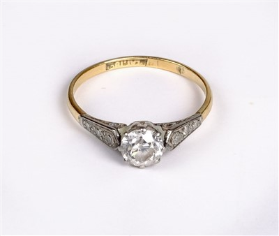 Lot 20 - Ring. A diamond solitaire ring