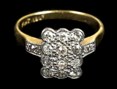 Lot 14 - Mixed jewellery. An 18ct gold diamond ring and other items