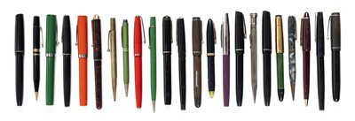 Lot 60 - Fountain pens. A collection of vintage fountain pens and propelling pencils