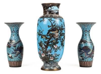 Lot 78 - Cloisonné. A large Japanese cloisonné enamel vase, Meiji period plus a pair of vases