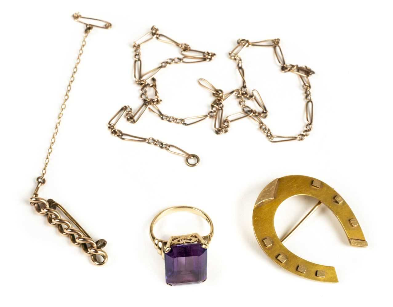 Lot 8 - Brooch. A Victorian 15ct gold horseshoe brooch and other gold items