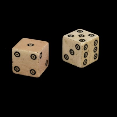 Lot 13-Dice. A pair of George III period ivory dice, c.1800