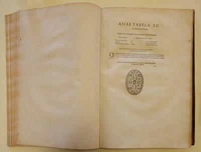 Lot 24 - Mercator (Gerard) - Ptolemaeus (Claudius). Geographiae libri octo, 1605