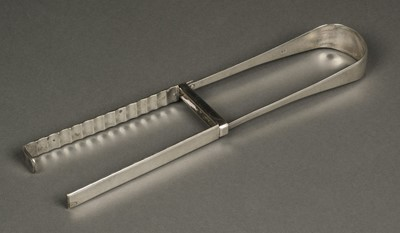 Lot 14 - Asparagus Tongs. Pair of silver tongs by Thomas Wallis, London 1808