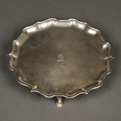 Lot 40 - Salver. George II silver salver / card tray by  Robert Abercromy, London 1734