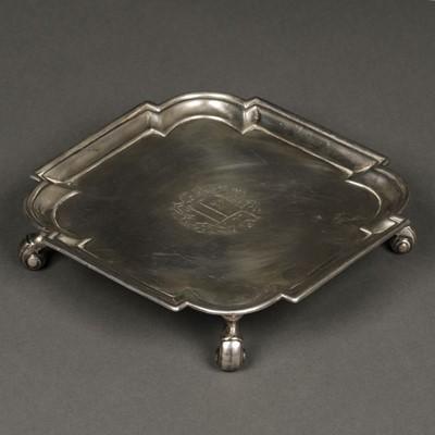 Lot 42 - Salver. George II silver salver/card tray by Joseph Smith, London 1731