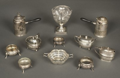 Lot 31 - Mixed Silver. A collection of silver