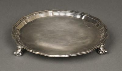 Lot 28 - Silver salver, 1905