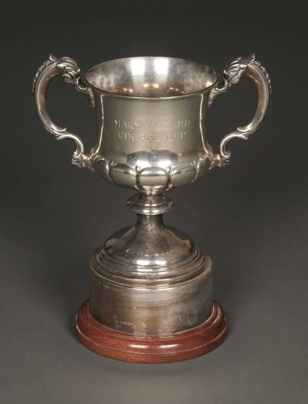 Lot 33 - Trophy Cup. George V silver trophy cup by Elkington & Company, Birmingham 1928
