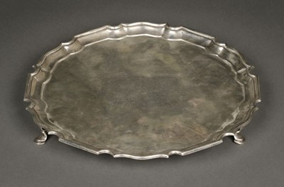 Lot 27 - Salver. George V silver salver by Mappin & Webb, London 1917