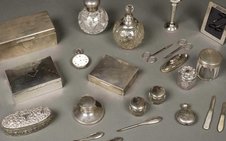 Lot 18 - Mixed Silver