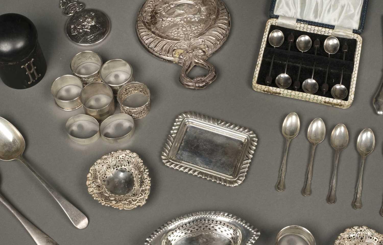 Lot 19 - Mixed Silver
