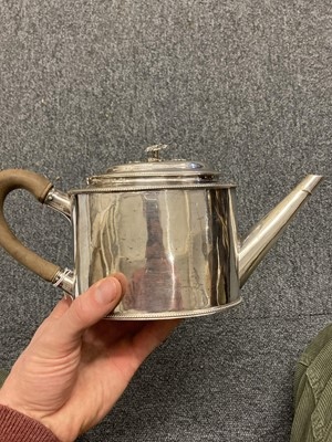 Lot 219 - Teapot. A George III silver teapot by William Turton, London 1783