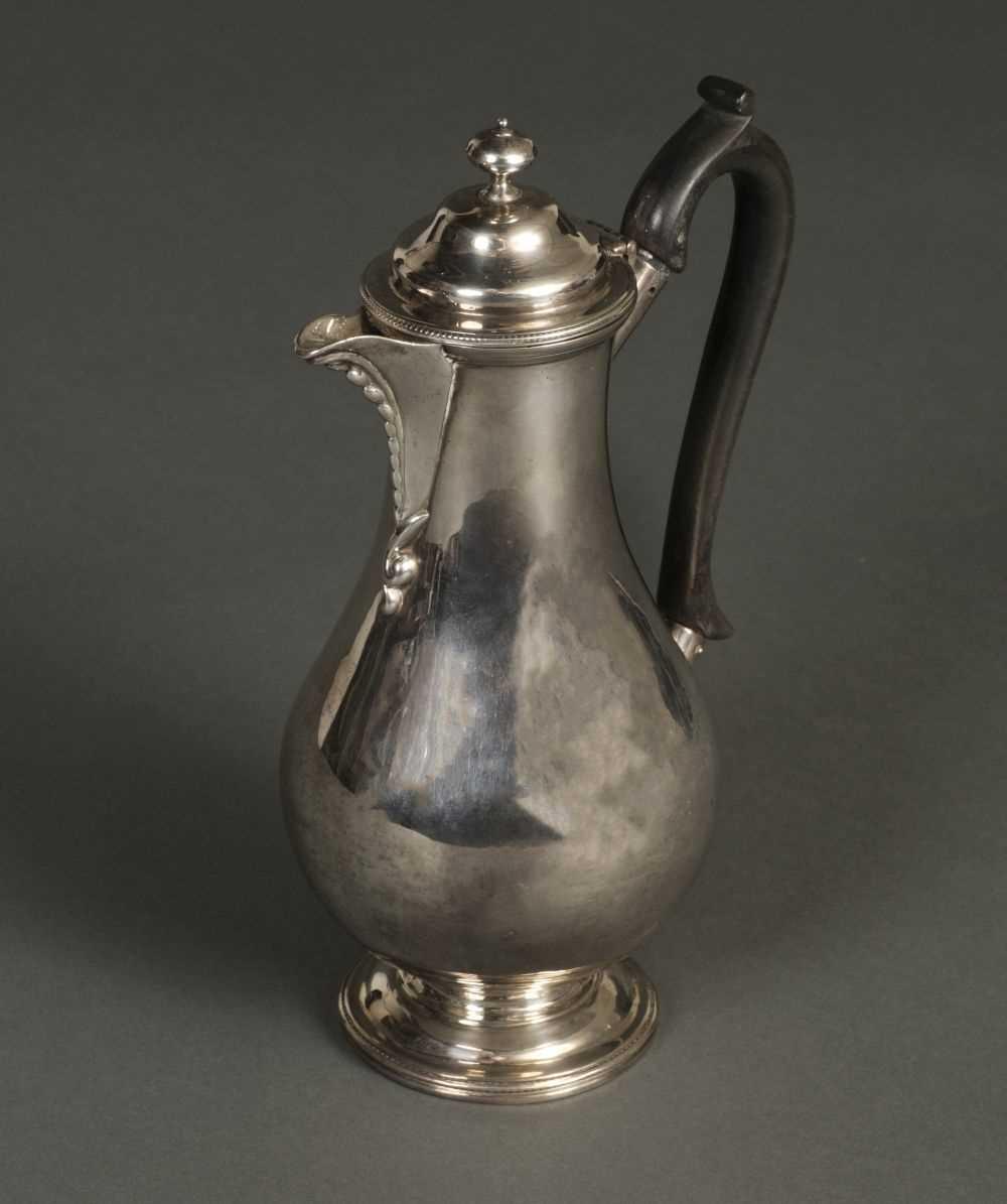 Lot 207 - Coffee Pot. A George V silver coffee pot by CS Harris, London 1926